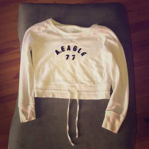 A white cropped sweatshirt from American Eagle